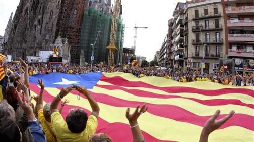 Spain higher court suspends Catalonia vote