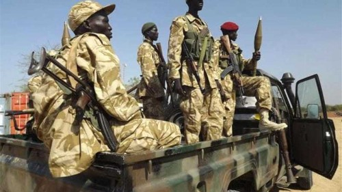 South Sudan army closes in on rebel-held town