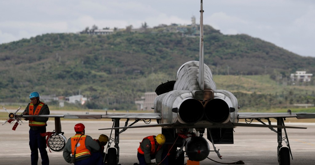 Taiwanese pilot dies after ejecting from jet trainer