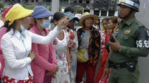 Police fire warning shots at Cambodia protest