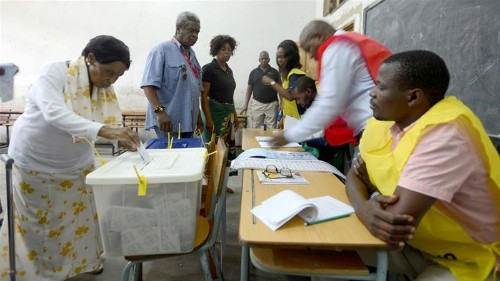 Mozambique counts votes after polls seen as test of peace deal