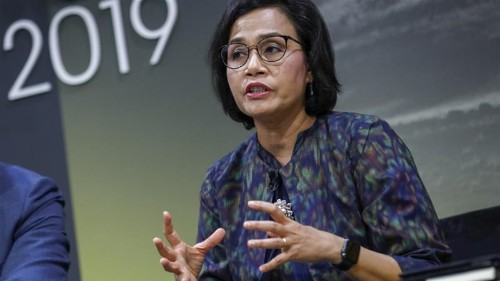 Indonesia's finance minister sees weaker growth, rate cut room