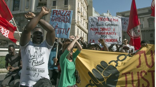 Italy: Migrants protest expulsion from refugee centres in Naples