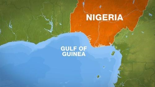 Sea 'pirates' kidnap 10 Turkish sailors off Nigeria