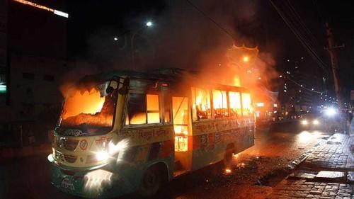 Power rivalry paralyses Bangladesh amid riots