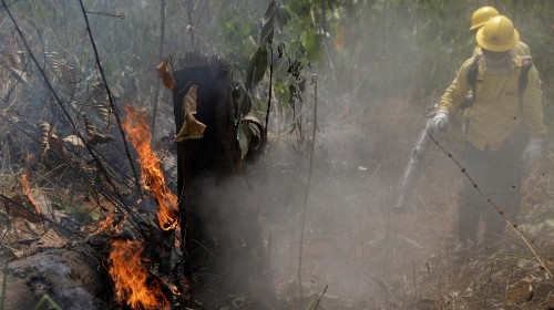 Planes dump water on Amazon as Brazil army begins fighting fires