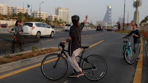 Saudi Arabia lifts travel restriction on its women