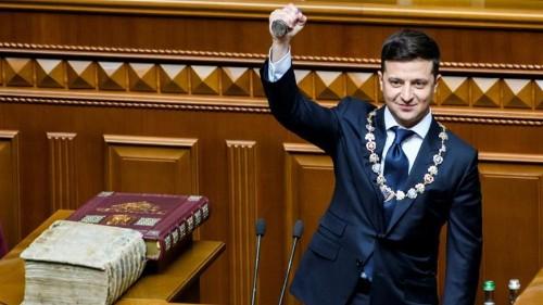 Volodymyr Zelensky sworn in as Ukraine's sixth president