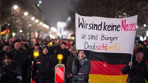 Merkel joins Muslim rally for tolerance