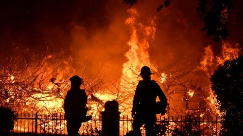 US: Deadly wildfire in Los Angeles burns with subdued fury