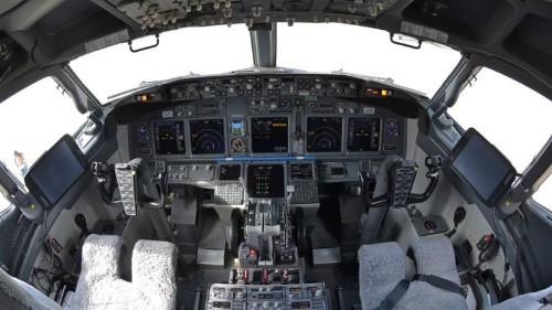 FBI says plane hacker a threat to public safety