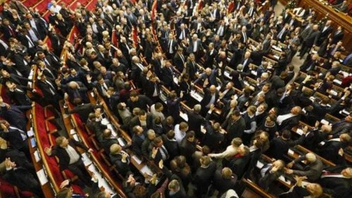 Ukraine adopts tough anti-protest laws