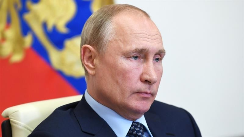 Putin changes Russia's electoral law to allow remote vote