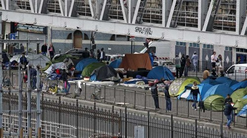 Migrants in France choosing streets over shelters