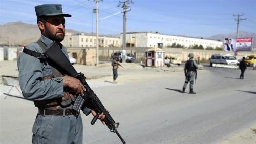 Gunmen target policemen in deadly Kabul checkpoint attack