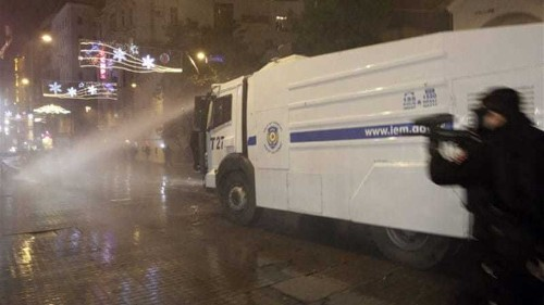 Clashes in Istanbul over internet censorship