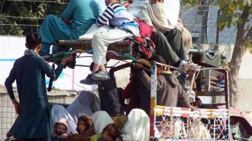 Thousands flee Waziristan after airstrikes