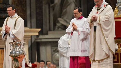 Pope urges church to reach out to needy