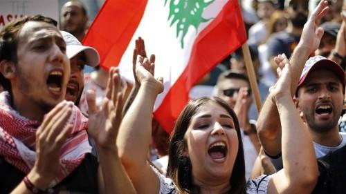 Lebanon reverses plans to tax WhatsApp calls