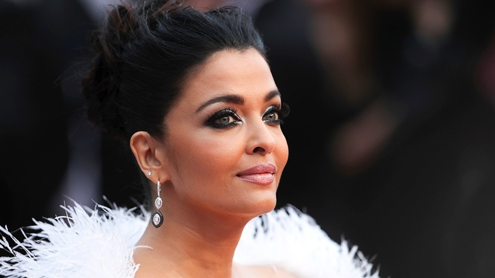 Bollywood's Aishwarya Rai Bachchan, daughter coronavirus positive