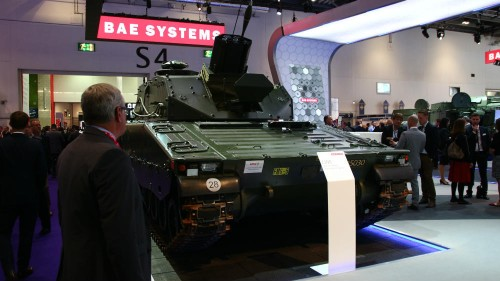 Huge arms trade fair draws dealers and politicians to London