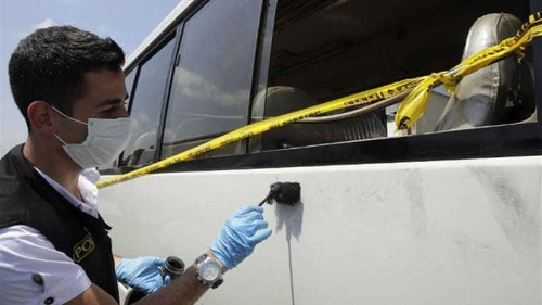Syrian bus passengers stabbed in Beirut