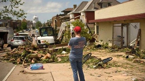 Monster tornado hits Jefferson City, Missouri