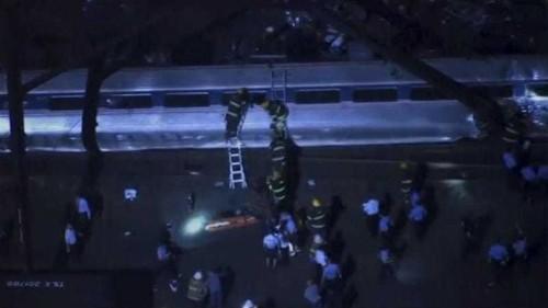 Several dead as Amtrak train crashes in Philadelphia