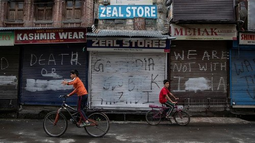 Kashmir is on lockdown, but Modi touts its investment potential