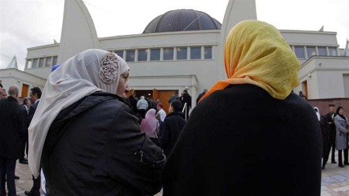 Anger as Muslim women denied service at French eatery