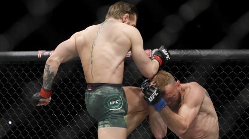 Conor McGregor defeats Cerrone in 40 seconds in UFC return