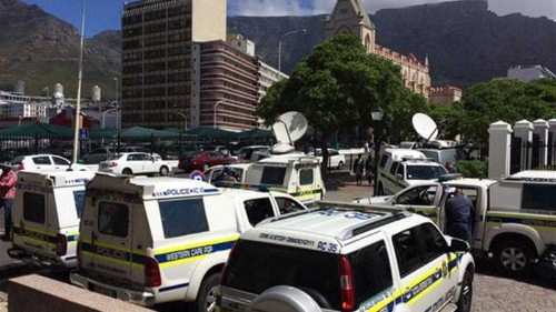 Lawmakers scuffle in S Africa parliament