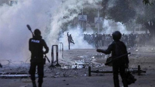 Clashes during Egypt anti-military protests