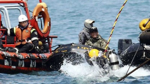 Divers find 48 bodies in S Korea ferry cabin