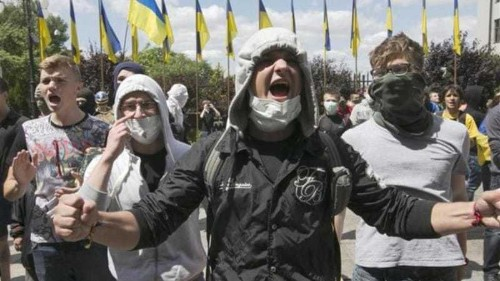 Russia backed in calls for Ukraine ceasefire