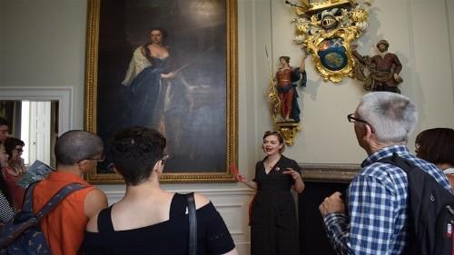 Alternative museum tours explore colonial loot, biased narratives