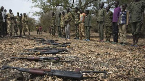 South Sudan's warring forces 'recruiting children'