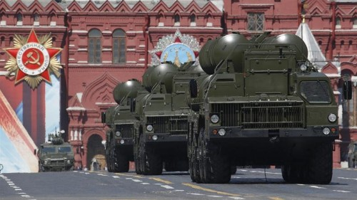 Why do countries want to buy the Russian S-400?