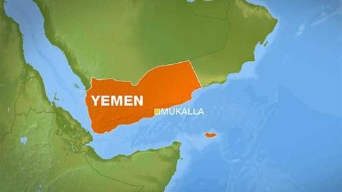 Gunmen take over military compound in Yemen