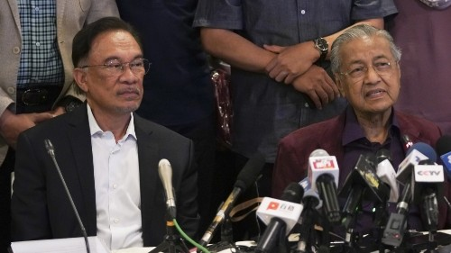 Malaysia's Mahathir secures Anwar's support to return as PM