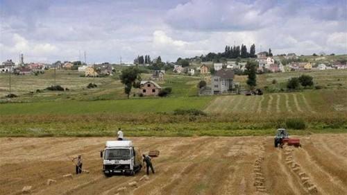 The hidden hands behind East-West tug of war in Ukraine