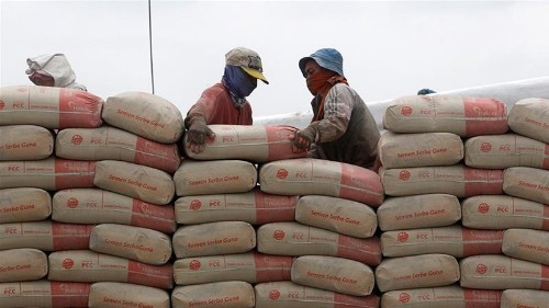 Investors warn cement makers climate change is a business risk