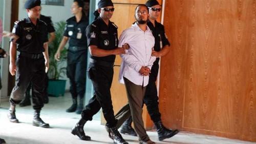 Bangladesh police arrest suspect in blogger's murder