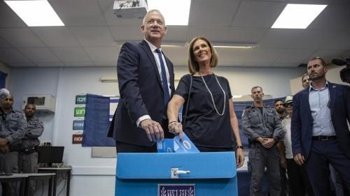 Israel election: Exit polls show Netanyahu trails rival Gantz