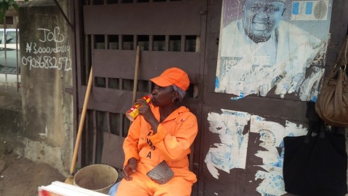 A day in the life of... a Lagos street sweeper   Poverty & Development