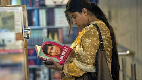 Pakistan private schools ban Malala book