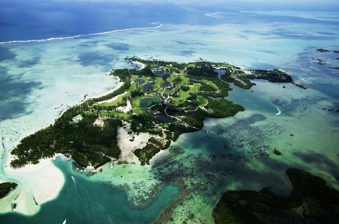 Tourist hotspot Mauritius hit by oil spill as ship grounds