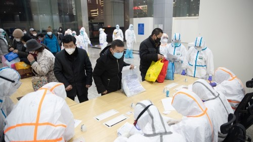 Grief, anger in China as doctor who warned about coronavirus dies