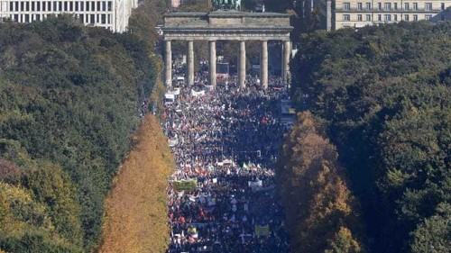 Thousands protest in Berlin against EU-US trade deal