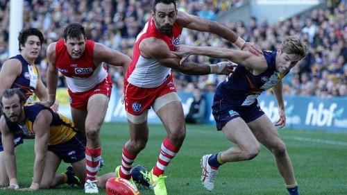 Booing of indigenous footballer 'is damaging Australia'